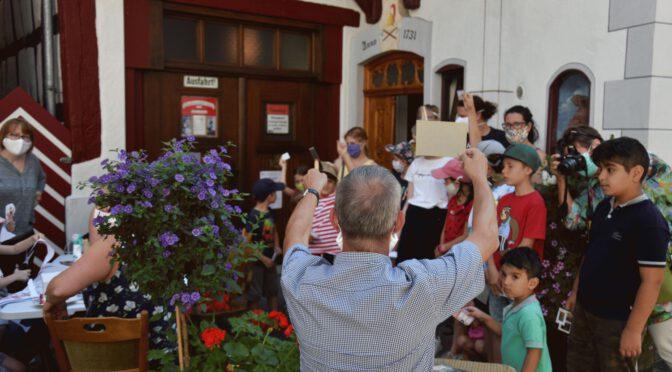 Junge Briefmarkenfreunde Riedlingen präsentierten sich in Hüblers Feuerwehrmuseum
